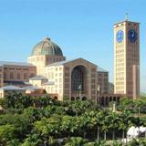 Basílica de Nossa Senhora Aparecida, principal ponto turístico do turismo religioso