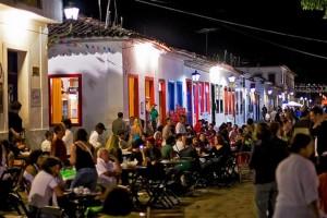 A cidade lota de turistas durante a realização da Flip 2014