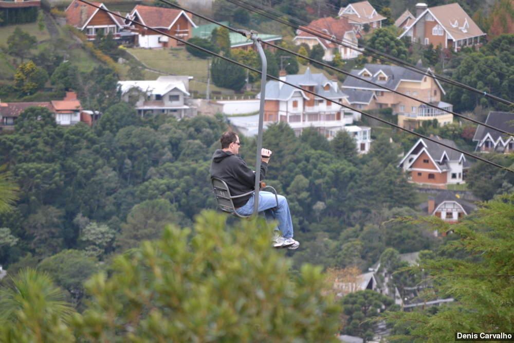O passeio de teleférico privilegia a vista da cidade. (Foto: Denis Carvalho. Melhores Destinos)
