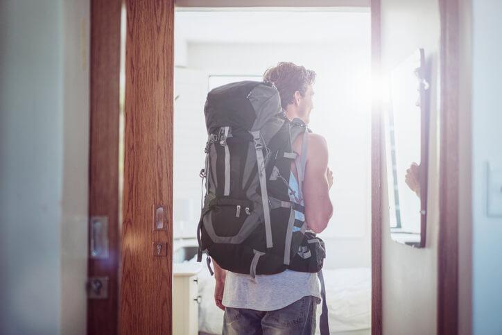 Vai escalar uma montanha? Escolha a mochila mais leve.