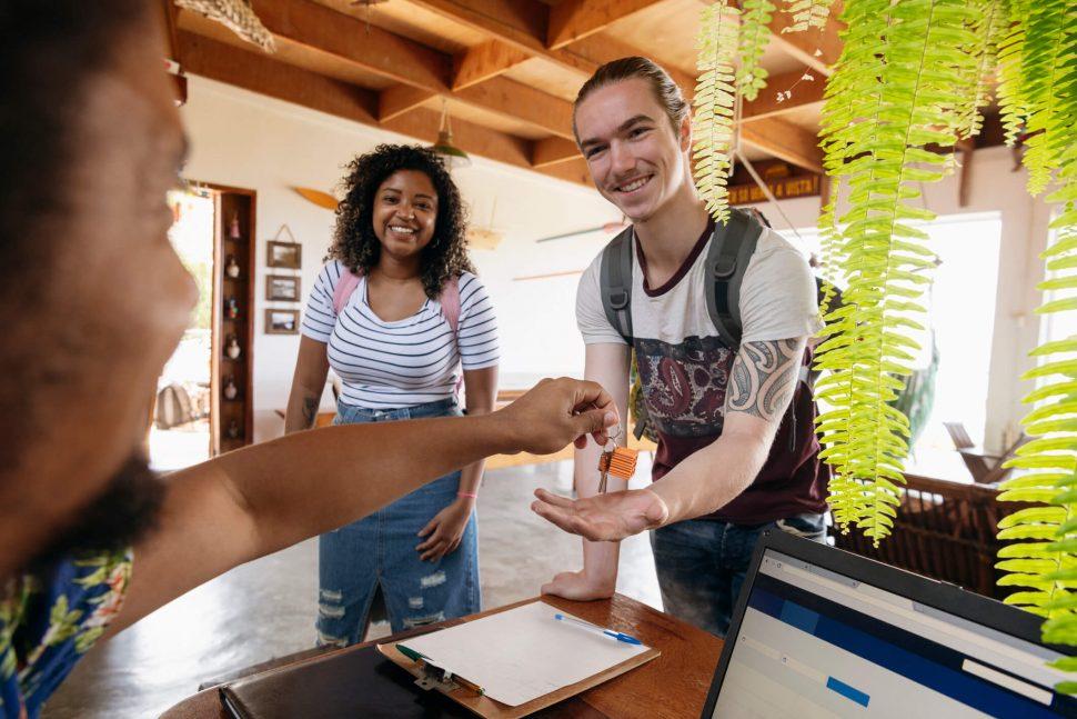 Descubra as vantagens e desvantagens de se hospedar em hostel!