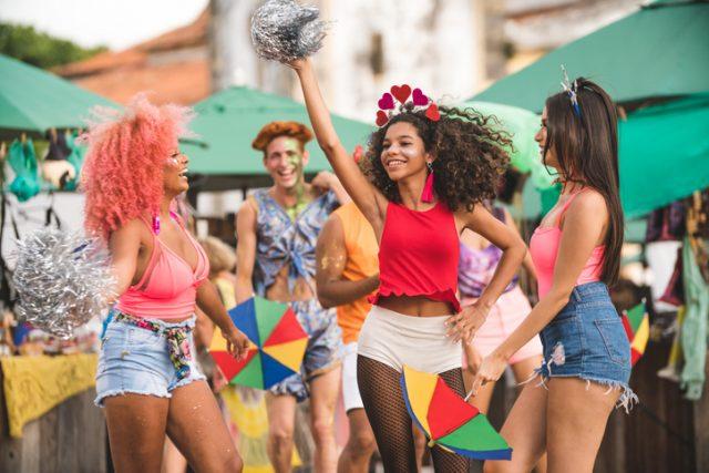 lugares baratos para viajar no carnaval