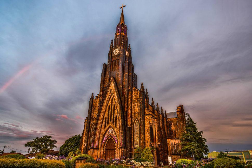 Catedral de Pedra: 3 motivos para você visitar esse lugar